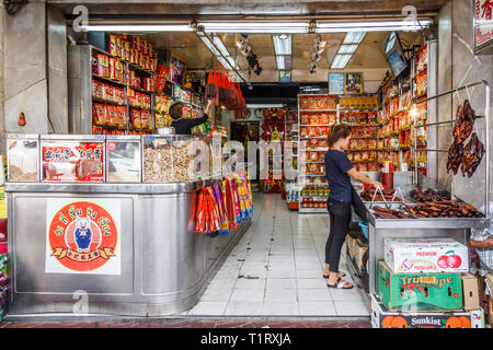 Bangkok, Thailand - 7th March 2017: A Chinese grocery store on Yaowarat Road. This is the main road through Chinatown. - Stock Image