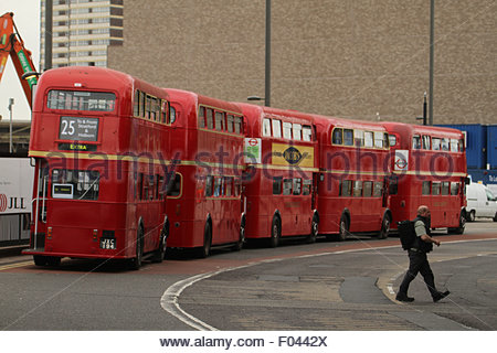 London, UK. 6th Aug, 2015.  Old routemasters An extra 250 buses, including the older routemaster models, were added - Stock Image
