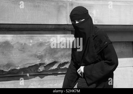 Muslima on the street - Stock Image