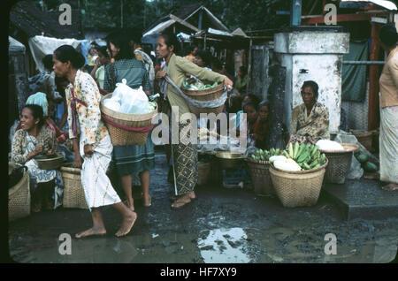 Women in the market; area of Jogjakarta, Java, Indonesia. - Stock Image