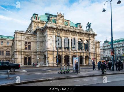 State Opera House on Ringstrasse, Vienna, Austria. - Stock Image