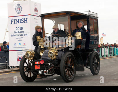 A 1902 Mors, entered by Mrs Julie Evision, at the finish line of the 2018 London to Brighton Veteran Car Run - Stock Image