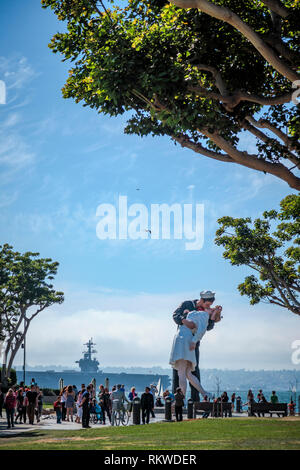 Unconditional Surrender statue at the USS Midway in San Diego. - Stock Image