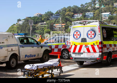 Sydney ambulance and police car at Palm beach to recover a patient who was rescued from near drowning,Australia - Stock Image