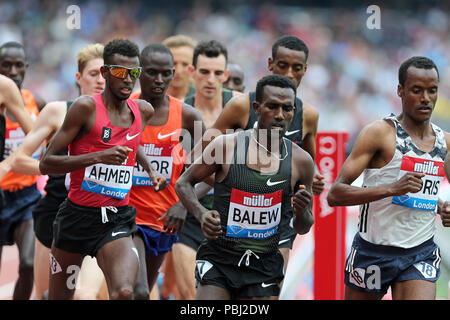 Mohammed AHMED (Canada), Birhanu BALEW (Bahrain) competing in the Men's 5000m Final at the 2018, IAAF Diamond League, Anniversary Games, Queen Elizabeth Olympic Park, Stratford, London, UK. - Stock Image