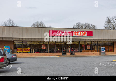 HICKORY, NC, USA-2/15/19: A Family Dollar store, one of more than 8,000 locations in the US.  Front entrance and parking lot shown. - Stock Image