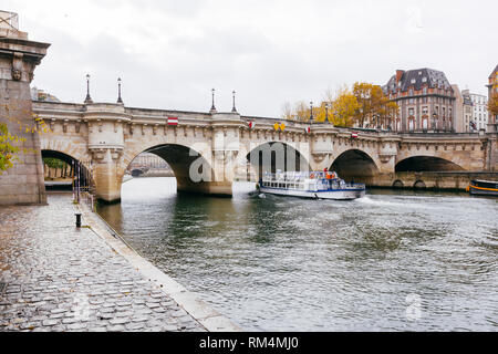 Paris (France) - Pont Neuf on the river Seine - Stock Image