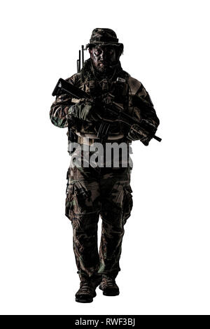 U.S. special forces soldier wearing jungle warfare uniform. - Stock Image