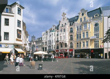 VALLEY OF THE RHINE GERMANY BONN Munsterplatz - Stock Image