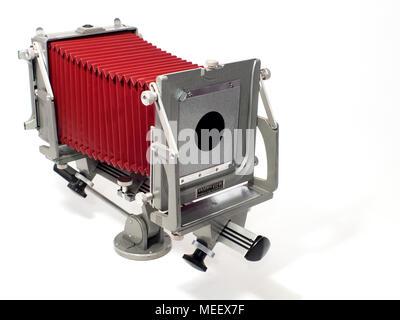 A Graflex 4x5 Graphic View II view camera, with red bellows. - Stock Image