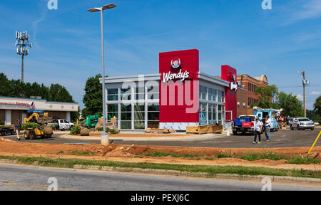 HICKORY, NC, USA-15 AUGUST 18: A new Wendy's nears completion, with an updated look. - Stock Image