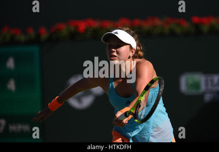 Indian Wells, California, USA. 12th March 2017. Kayla Day (USA) in action against Garbine Muguruza (ESP) during - Stock Image