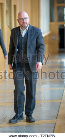 Edinburgh, UK. 4th April, 2019.  Patrick Harvie Scottish Green Party co-Convenor arriving for First Ministers Questions in the Scottish Parliament. Credit: Roger Gaisford/Alamy Live News - Stock Image