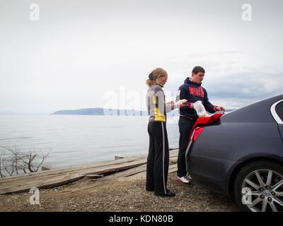 LYSTVIANKA, RUSSIE, MAI 15 : Ce couple Russe d'Irkoutsk vient passer le dimanche a Listviankale 15 mai 2010 - Stock Image