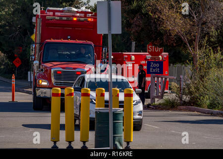 Los Angeles, California, USA. 9th Nov, 2018. Los Angeles Fire Command 3 arriving at the command paost and staging for the Griffith Park brush fire near the Los Angeles Zoo. Credit: Chester Brown/Alamy Live News - Stock Image