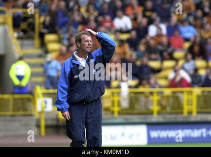 Football manager Graham Rix Wolverhampton Wanderers v Portsmouth 11 August 2001 - Stock Image
