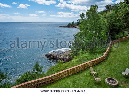 Expansive view of Lake Superior's north shore from a barbecue at Chateau LeVeaux vacation concominiums, Tofte, Minnesota, USA. - Stock Image