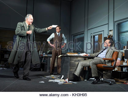 Glengarry Glen Ross by David Mamet, directed by Sam Yates. With Stanley Townsend as Shelly Levene, Kris Marshall - Stock Image