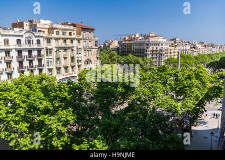 Tree lined alley Passeig de Gràcia in Barcelona, Catalonia, Spain; seen from above. - Stock Image