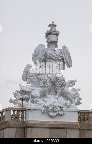 Austria, Vienna, Schonbrunn Palace statues - Stock Image