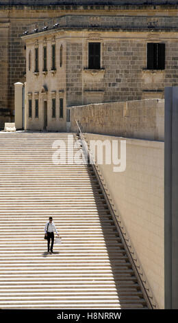 Steps adjacent to City Gate (5th Gate), Valletta, Malta. Built 2011-14. Designed by Renzo Piano. - Stock Image