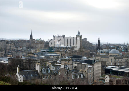 Looking from Calton Hill across the historic streets and buildings of Edinburgh to the Castle - Stock Image