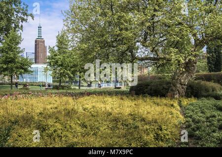 Museumpark gardens, with Museum Boijmans Van Beuningen in the background, Rotterdam, The Netherlands. - Stock Image