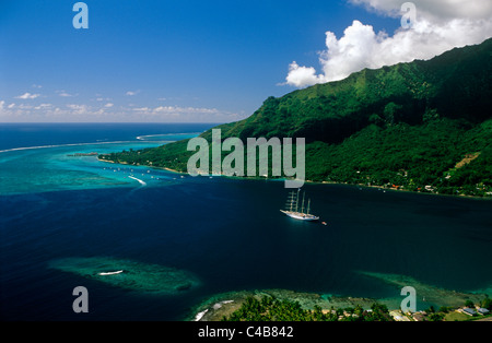 French Polynesia, Society Islands, Leeward Islands, Moorea (aka Aimeho). Situated behind a clearly visible reef - Stock Image