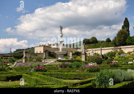 The Medici Villa di Castello (Villa Reale), Florence, Italy. The garden, with the Fountain of Hercules and Antaeus, by Tribolo and Ammannati (c1550) - Stock Image