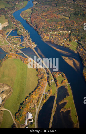 The Connecticut River flows between Norwich, Vermont and Hanover, New Hampshire. Aerial. - Stock Image