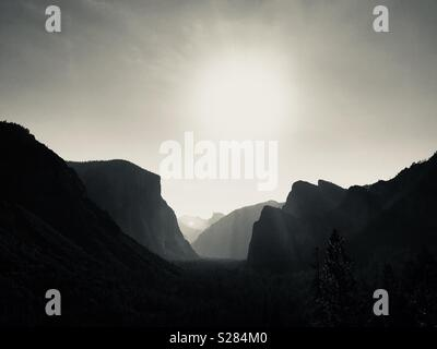 View of Yosemite Valley from Hwy 41 tunnel view. Yosemite National Park, California. - Stock Image