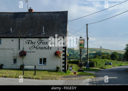 The Fox and Hounds Pub, Uffington, Oxfordshire, England, UK - Stock Image