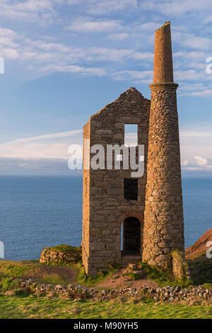 Abandoned tin mine at Wheal Owles, which doubles up as Wheal Leisure in the Poldark TV series, on the Cornish cliff tops at Botallack, Cornwall, Engla - Stock Image