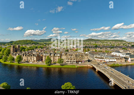 INVERNESS CITY SCOTLAND CENTRAL CITY THE RIVER NESS AND NESS ROAD BRIDGE NESS WALK AND ST ANDREWS CATHEDRAL - Stock Image