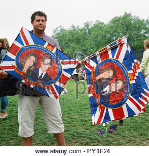 Souvenir flag seller during the wedding day of Prince William and Catherine Middleton in London. Green Park, central London, UK, 29th April 2011. - Stock Image