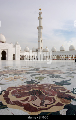 Sheikh Zayed Bin Sultan Al Nahyan Mosque, Abu Dhabi, United Arab Emirates - Stock Image