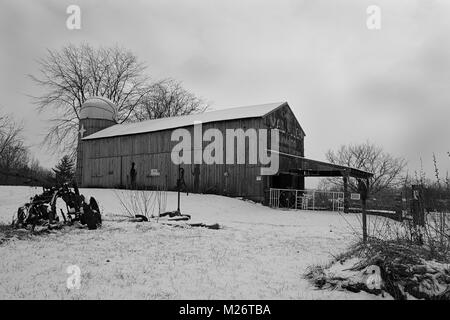 Winter Mail Pouch Barn in Ohio. - Stock Image