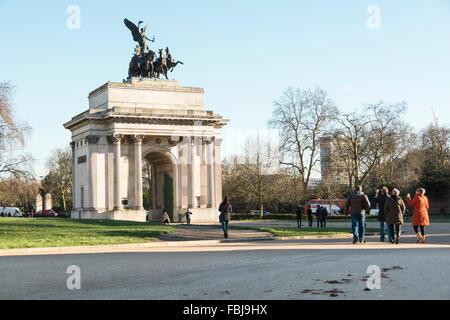 The Wellington Arch at Hyde Park Corner London - The Quadriga by Adrian Jones - Stock Image