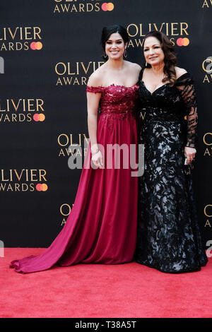 London, UK. 7th Apr 2019. Gloria Estefan poses on the red carpet at the Olivier Awards on Sunday 7 April 2019 at Royal Albert Hall, London. Picture by Credit: Julie Edwards/Alamy Live News - Stock Image