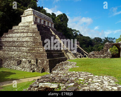 Temples in a jungle setting in Palenque - Stock Image