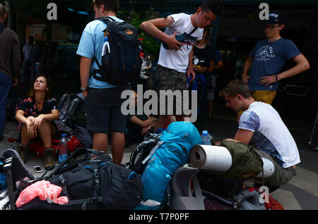 Backpackers in Budva, Montenegro. - Stock Image