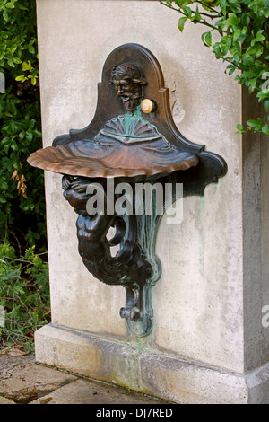 Shell and Mermaid Water Fountain, Kew Royal Botanical Gardens. - Stock Image