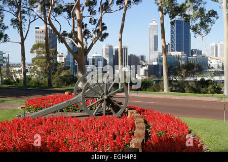 Canon in Kings Park overlooking the Western Australian capital city of Perth. - Stock Image