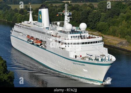 Cruiseship Deutschland passing the Kiel Canal - Stock Image