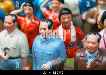 Chairman Mao model souvenirs at Cat Street anitques market, Sheung Wan, Hong Kong Island, Hong Kong, China - Stock Image