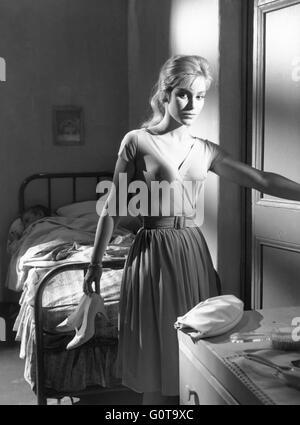 Estella Blain / Women Disappear / 1959 directed by Edouard Molinaro (Productions Jacques Roitfeld / Les Films Sirius) - Stock Image