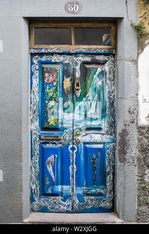 Portugal, Madeira Island, Funchal, Rua da Santa Maria, art of open doors, street art - Stock Image
