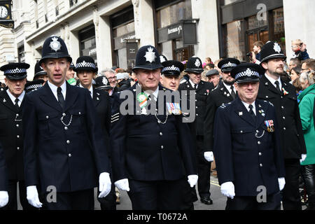 London, UK. 17th Mar 2019. The colourful St Patrick Parade days 2017 was watched by thousands who line up the streets from Piccadilly to Trafalgar Square where speeches were made and a show with music and dane was given to the thousands who packed the square to celebrate St Patrick day 2019 on 17 March 2019, London, UK. Credit: Picture Capital/Alamy Live News - Stock Image
