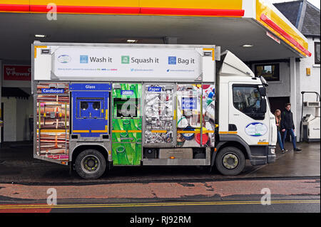 South Lakeland District Council Recycling Vehicle. Aynam Road, Kendal,. Cumbria, England,. United Kingdom, Europe. - Stock Image