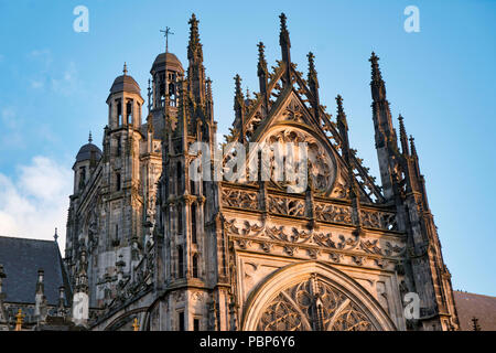 St. John's Cathedral in Den Bosch, Netherlands in the evening light - Stock Image
